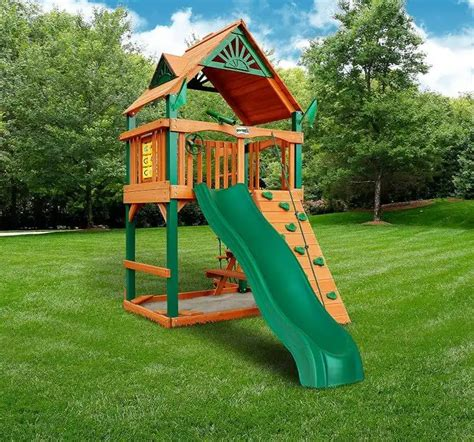 Small Backyard Playsets: The 10 Best Playsets for Small